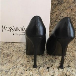 YSL Black size 35. Fits more like a 5.5 than a 5.